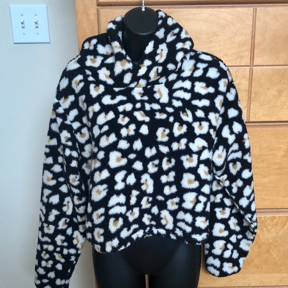 Wild Fable Leopard Hooded Pullover